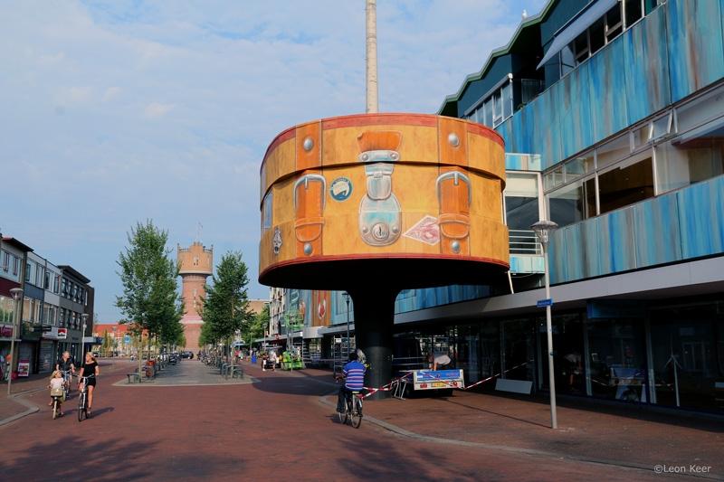de-koffer-3d-mural-leonkeer-denhelder