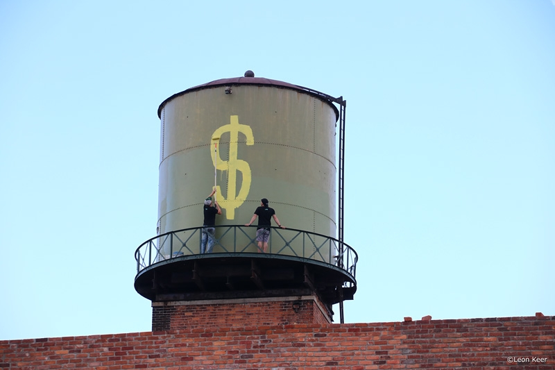 dollar-leonkeer-detroit-watertower