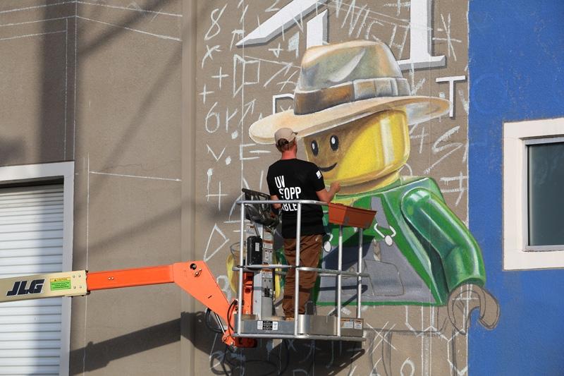 leonkeer-lego-mural-3d