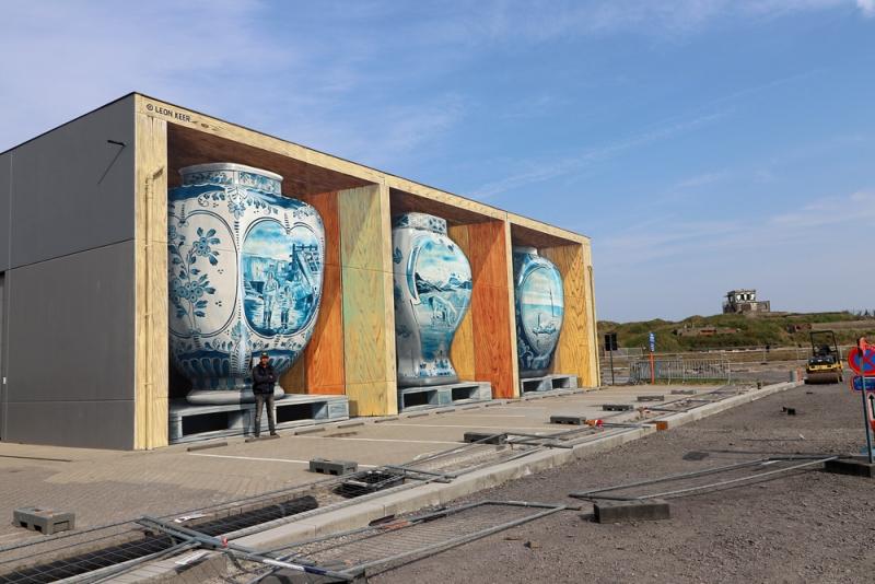 leonkeer-3d-mural-painting-crystalship-streetart