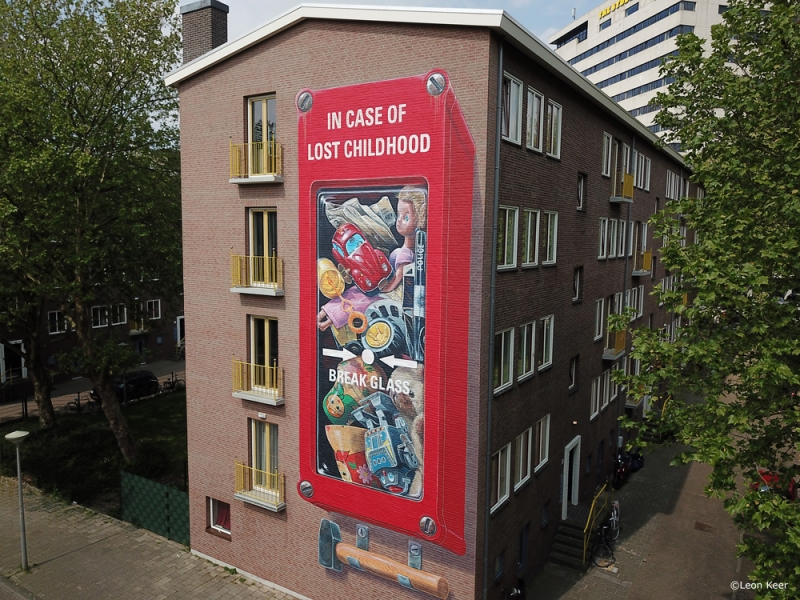 drone-mural-leonkeer-in-case-of-lost-childhood
