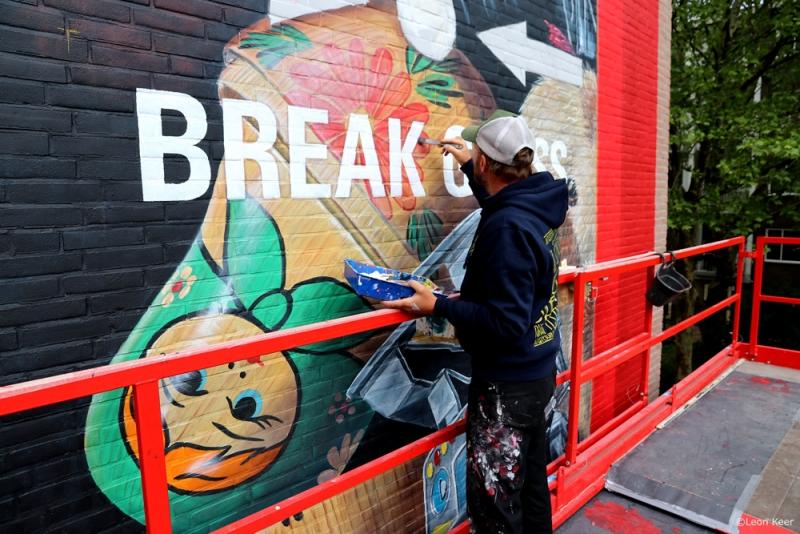 muurschildering-mural-leonkeer-wallpainting