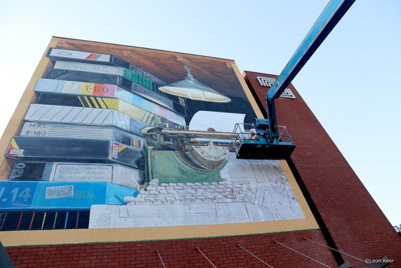namur-typewriter-vhs-mural-leonkeer