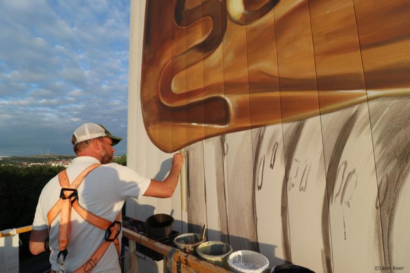 leonkeer-sardines-tin-streetart-mural