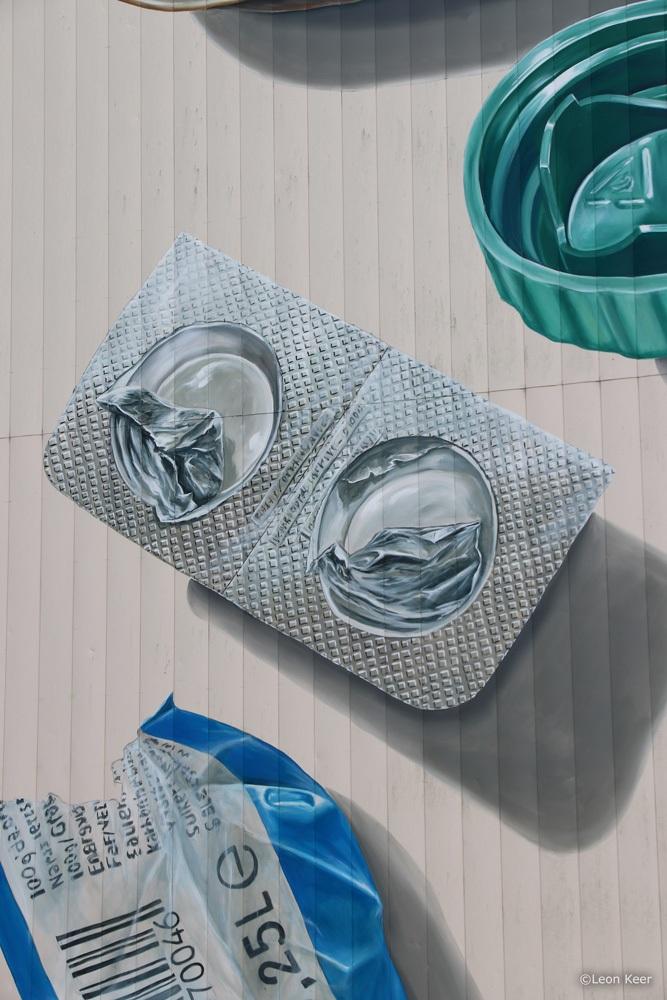 pill-plastic-aluminium-leonkeer-mural-3d-anamorphic