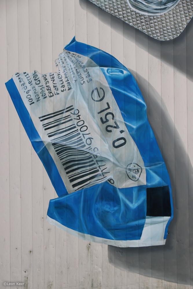 plastic-etiket-mural-3d-leonkeer-streetart