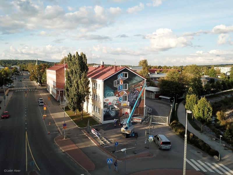 drone-leonkeer-mural-police-finland-upeart