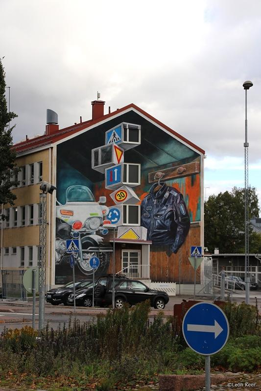 road-sign-mural-police-finland-leonkeer