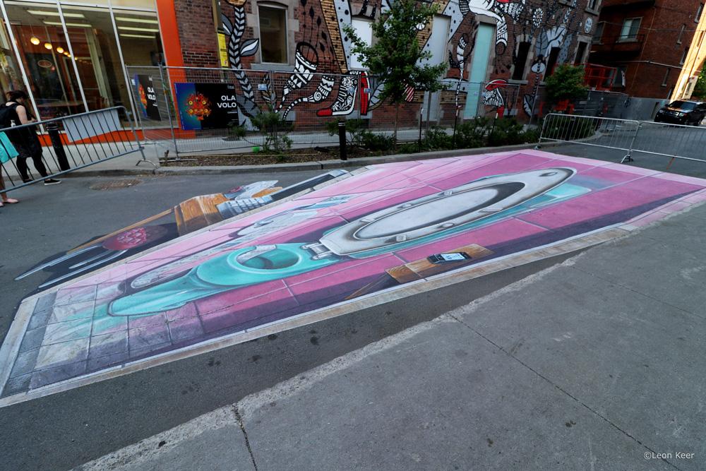 streetart-toilet-phone-3d-leonkeer-art-painting