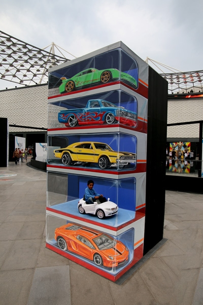child-car-dubai-canvas-3d