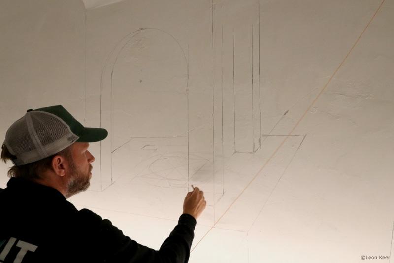 leonkeer-sketching-artist-mural-perspective-sketch