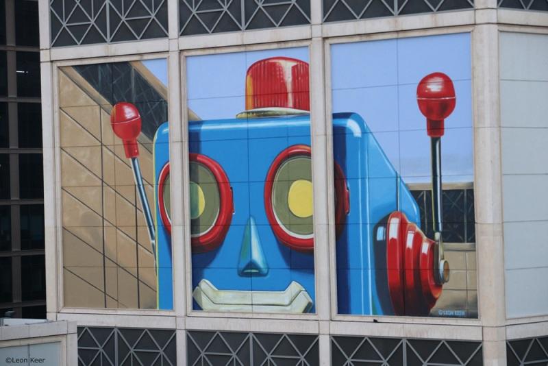 robot-painting-mural-wall-streetart-vintage-3d-leonkeer-toy-play