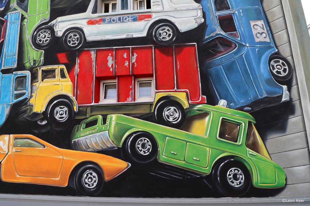 detail-leonkeer-mural-cars-matchbox-vintage-toy-streetart