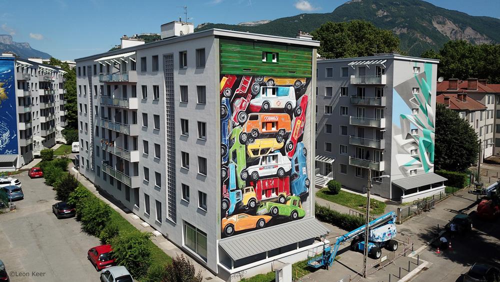 drone-mural-leonkeer-grenoble-streetart-3d-toy-cars