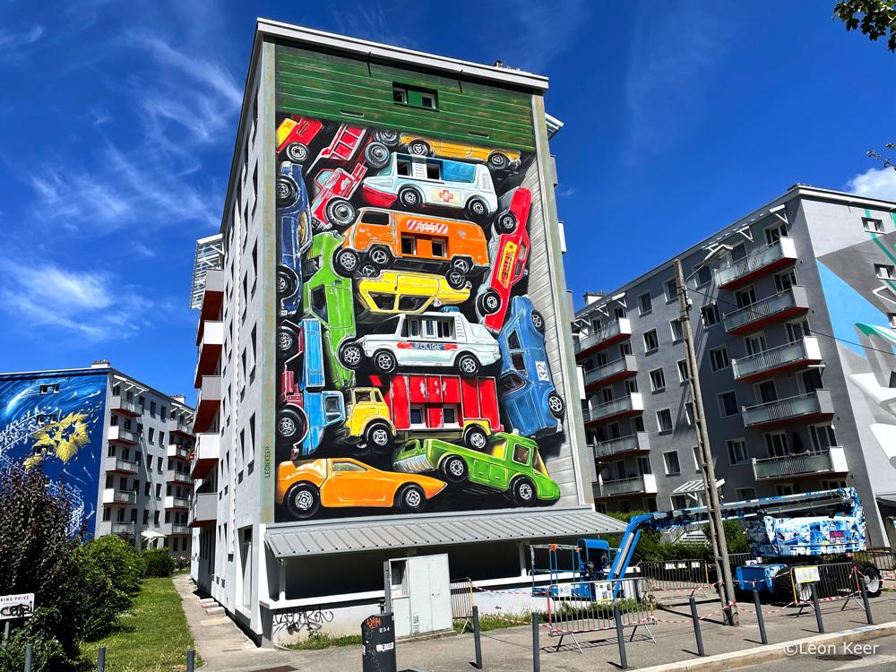 mural-streetart-leonkeer-3d-recollection-matchbox-cars-vintage