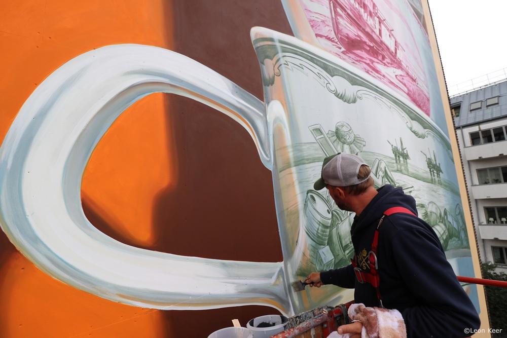 leonkeer-mural-shattering-helsingborg-3d-cups-rorstrand
