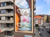 augmented-reality-mural-leonkeer-cups-shattering-fragile