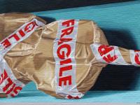 detail-fragile-violin-package-3d-leonkeer-mural