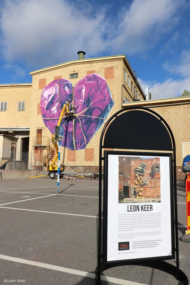 leonkeer-taketomorrowback-norrastation-mural-heart
