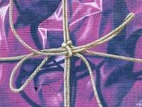 detail-leonkeer-purple-heart-wrapped-rope-brush-painting-mural-bricks