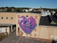drone-leonkeer-mural-wrapped-heart-rope