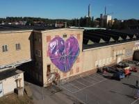leonkeer-drone-mural-soderhamn-heart