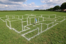 Anamorphosis chalk on grass