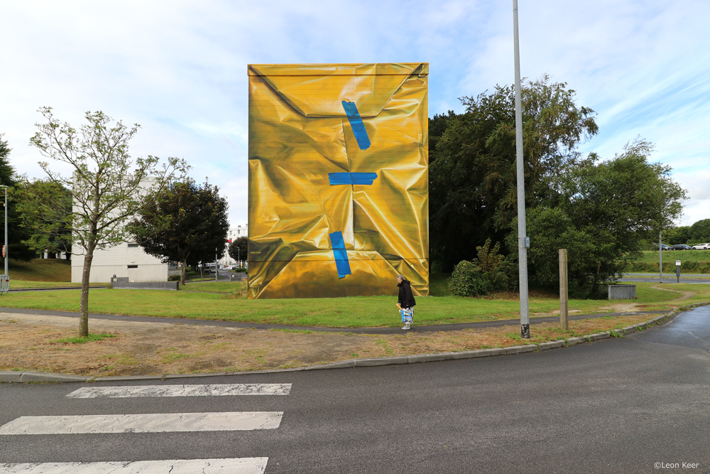 3d-mural-gift-present-wrapped-building-leonkeer