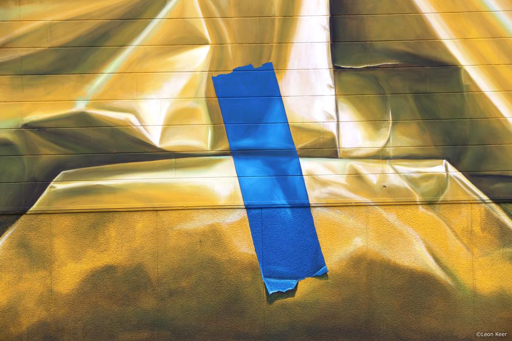 detail-mural-3d-leonkeer-wrap-building-gift-package