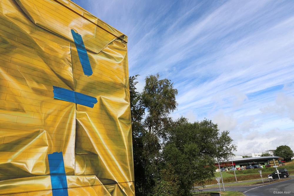 mural-leonkeer-3d-package-wrapping-building