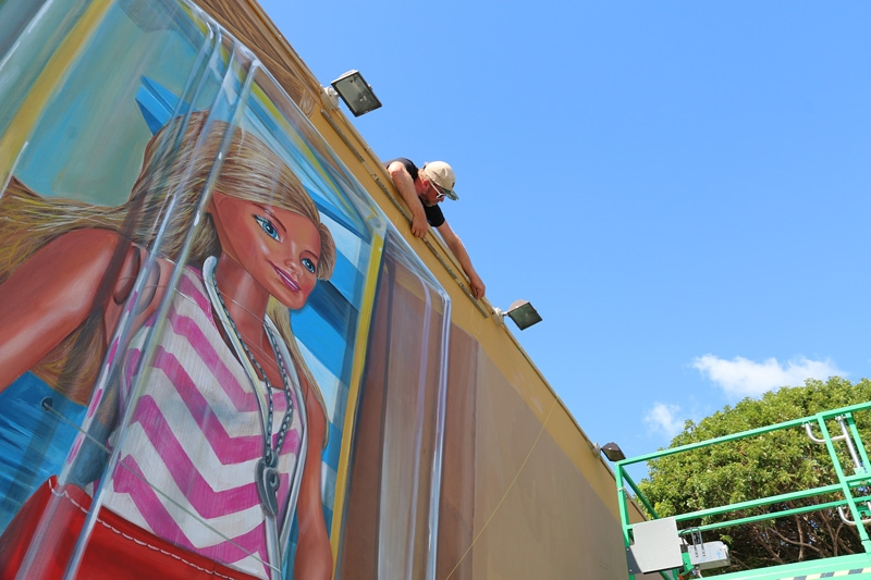 anamorphic-barbie-wynwood-mural