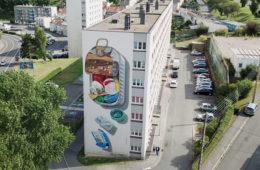 3D mural 'Plastic Diet' by Leon Keer