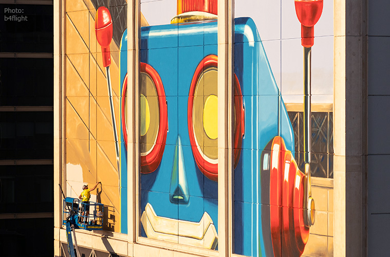 leonkeer-dubai-mural-robot-photo-by-b4flight