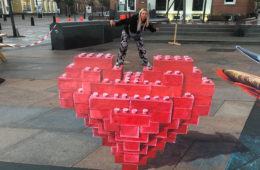 Love by Leon Keer stop-motion lego heart