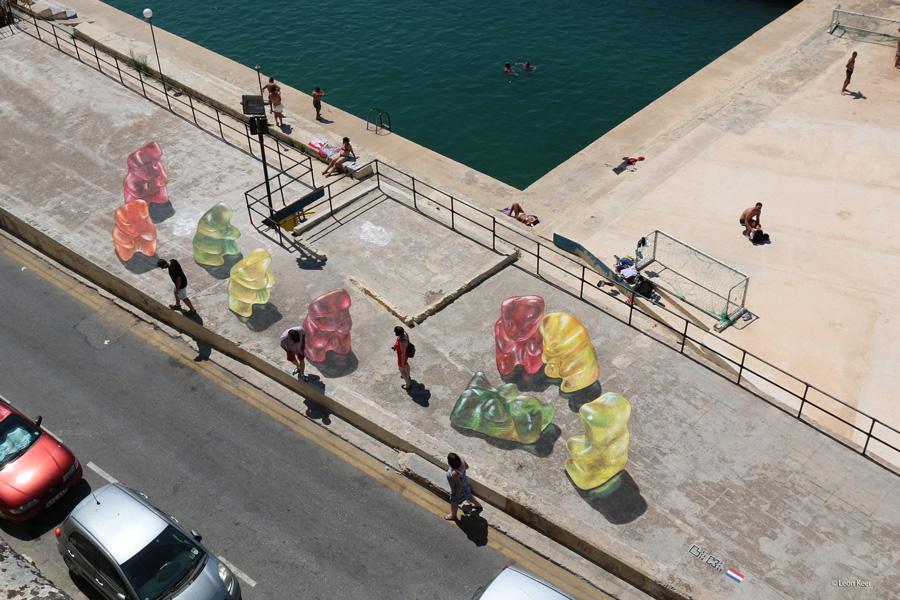 malta-gummy-bears-leonkeer-streetart